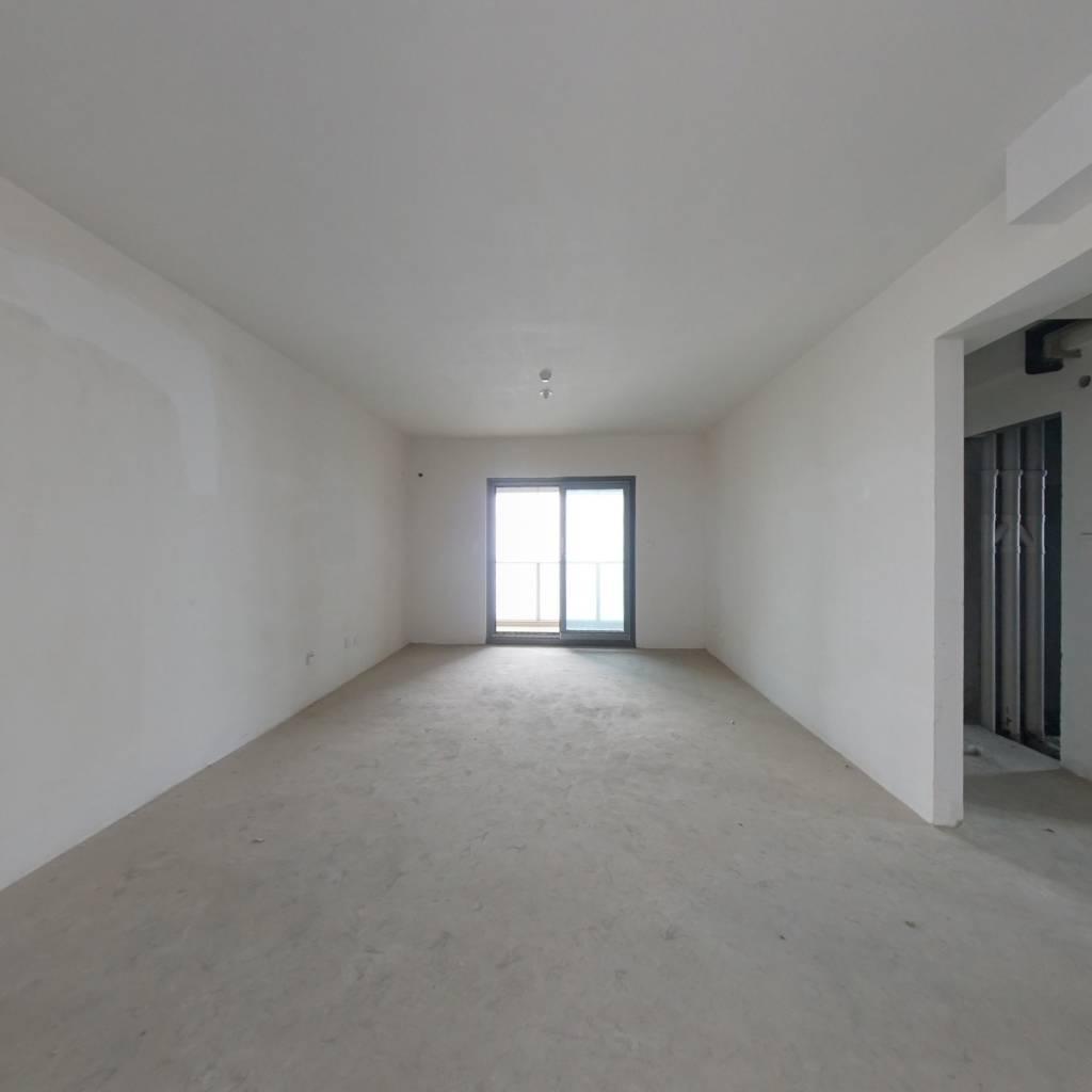 世纪江尚正规三房 户型方正 采光充足 随时看房