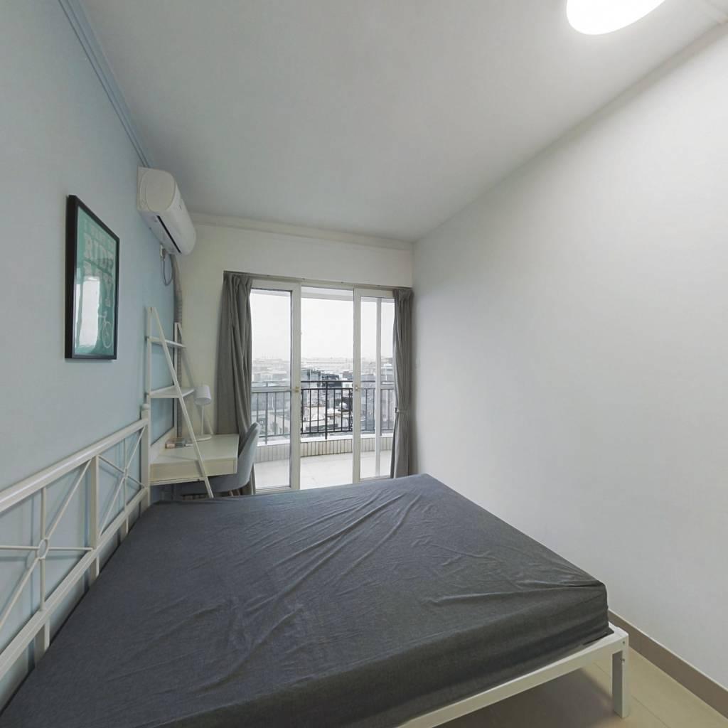 合租·信步闲庭 4室1厅 南卧室图