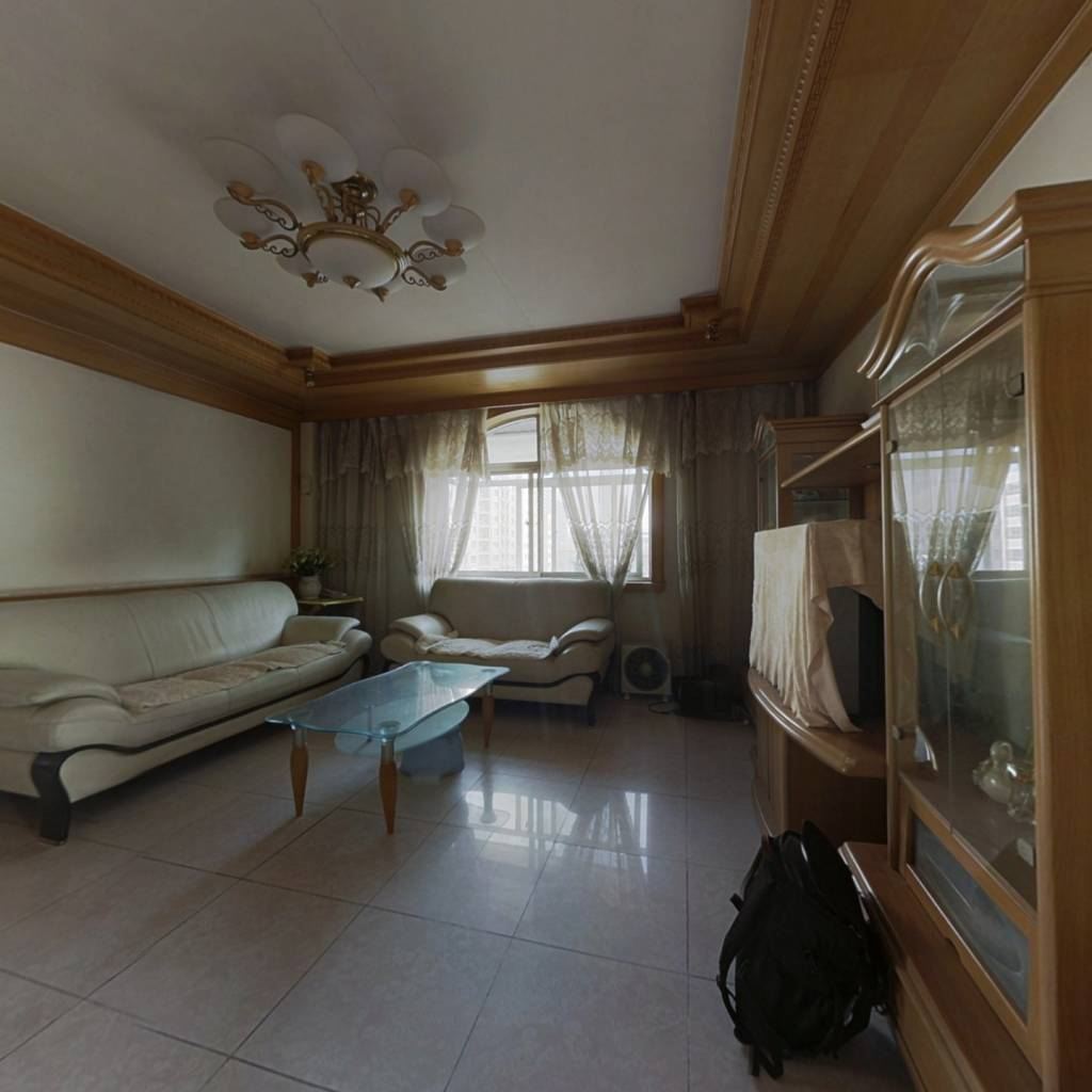山大路 和平路 方正三居室 房主诚心出售 看房方便