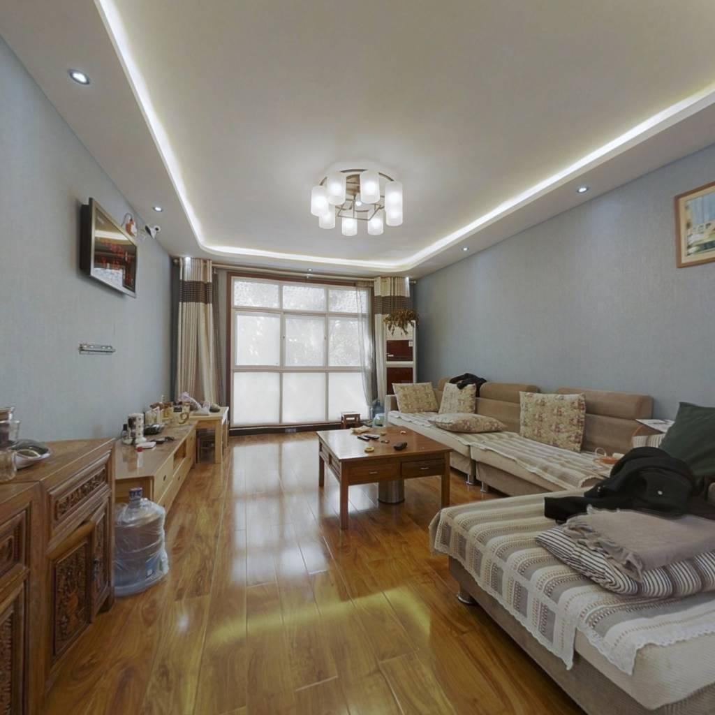精装修住房 主房121平 带54平储藏室和车库自改精装修