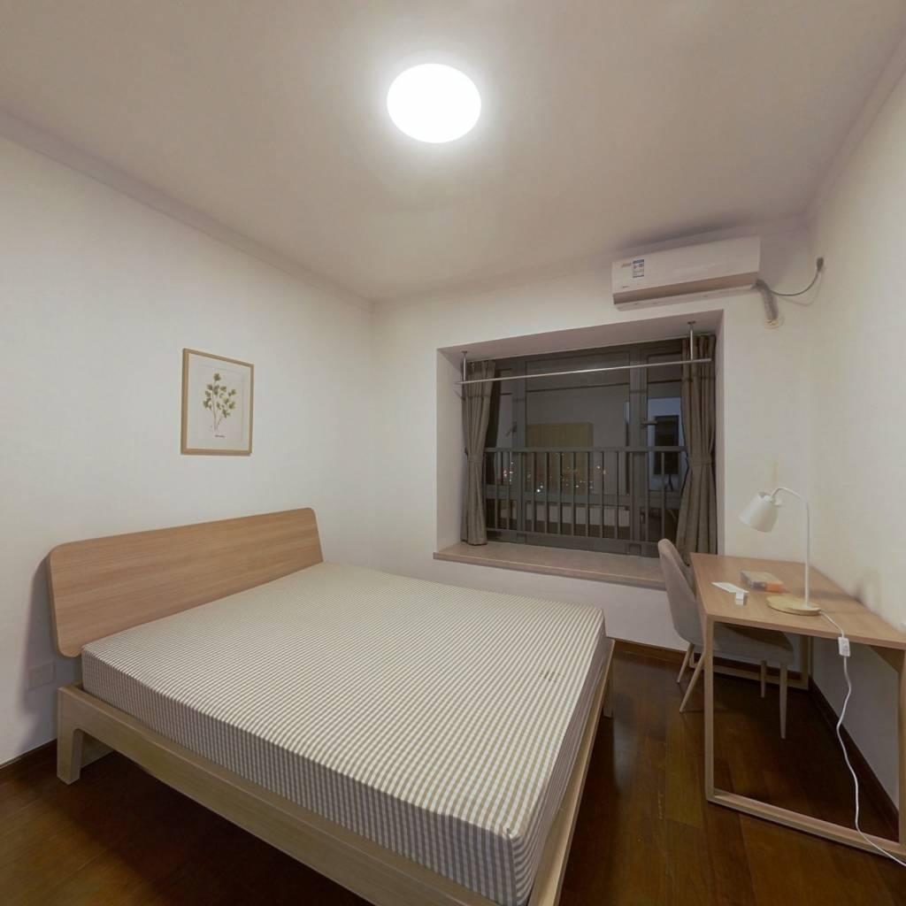 合租·悦江上品苑 5室1厅 南卧室图