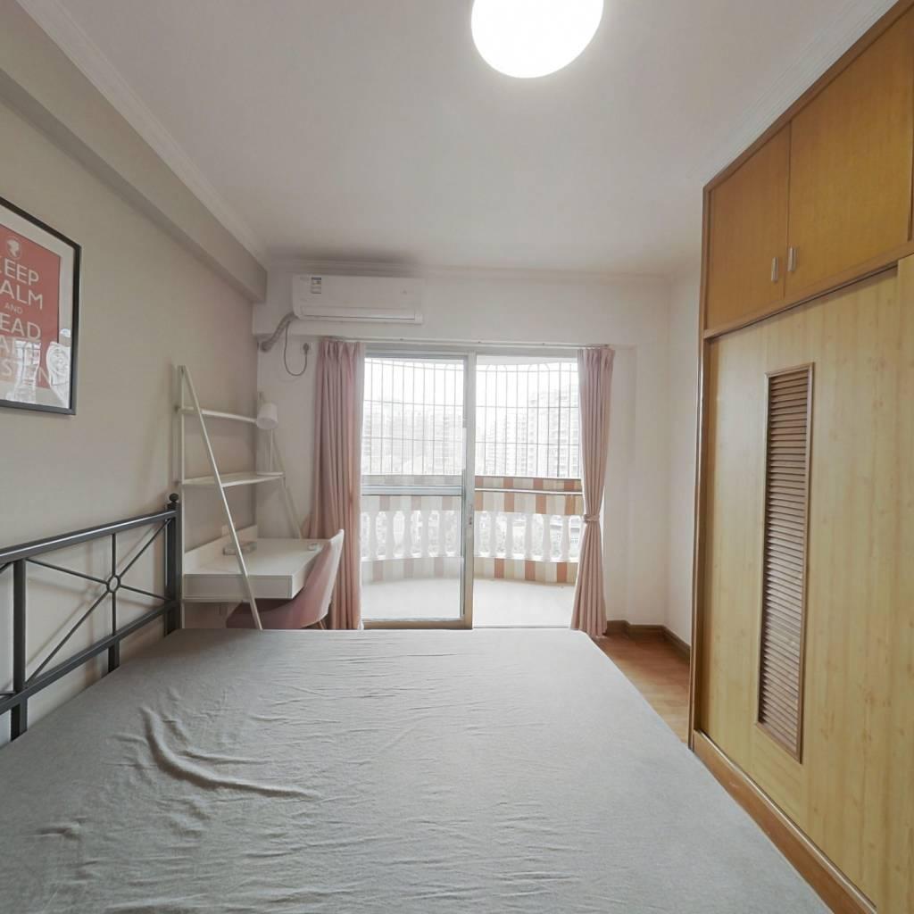 合租·汇侨新城北区 4室1厅 西南卧室图