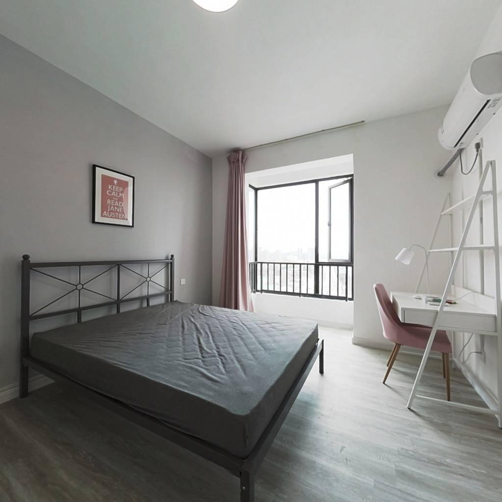 合租·银爵世纪公寓 4室1厅 东卧室图
