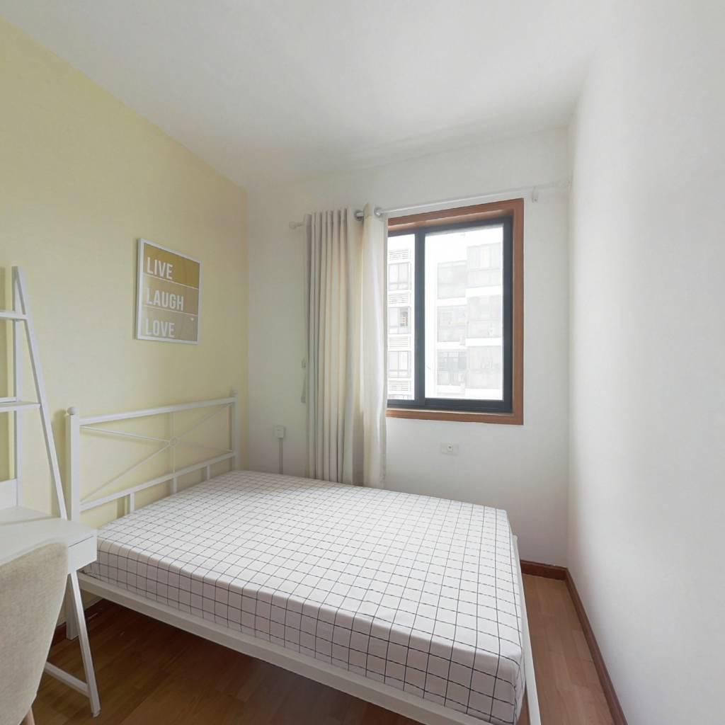 合租·保利花园 3室1厅 西卧室图