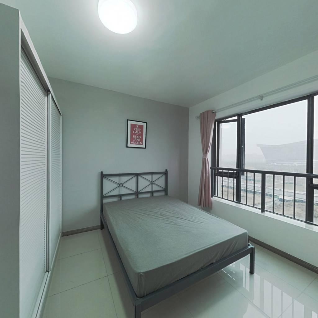 合租·世龙广场 4室1厅 北卧室图