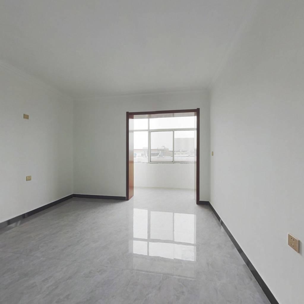 诚心出售人民路精装三室,有本能过户贷款