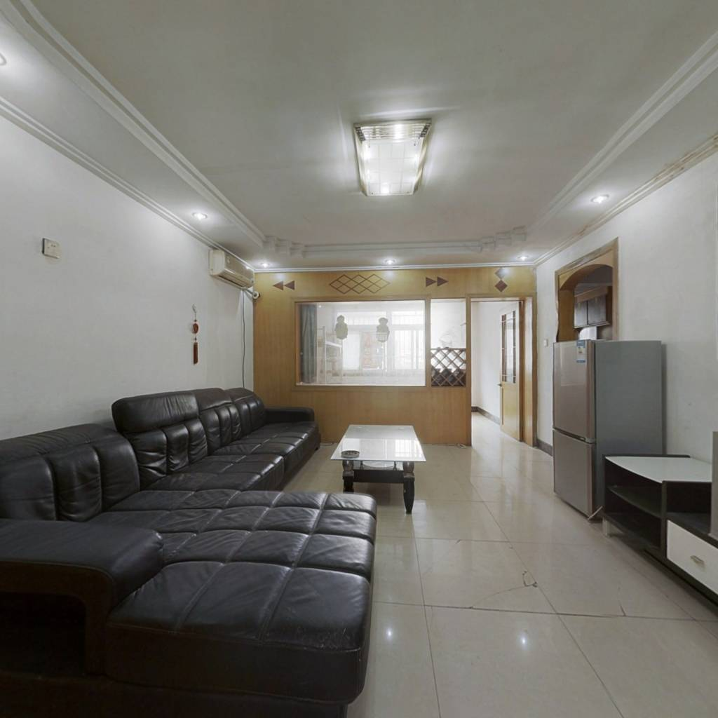 星沙二区 93平大三房 业主诚心出售 现只卖50万出头