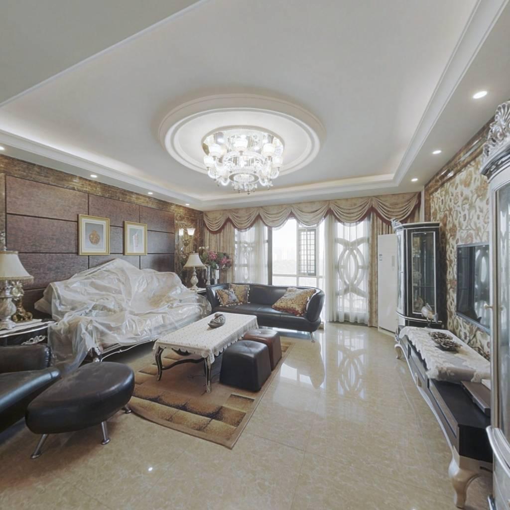 房屋通透,一梯两户,2012年装修,保养好