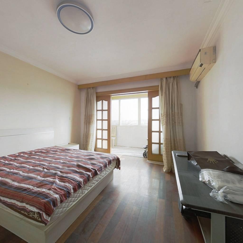 全明两房,配套齐全得房率高实际使用面积大,诚意出售