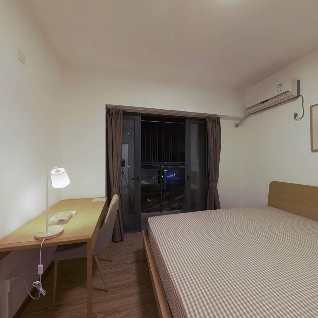 合租·天悦湾花园 4室1厅 东卧室图