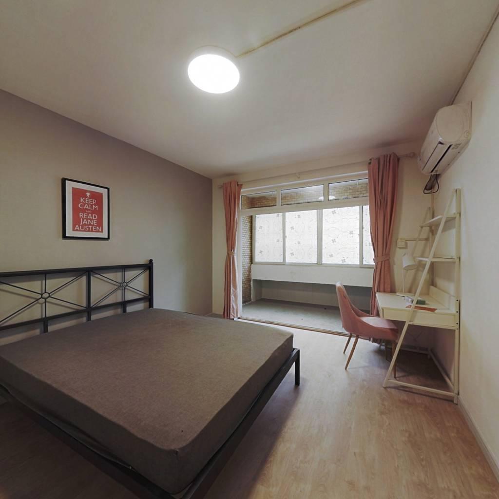 合租·都市庭院 3室1厅 北卧室图