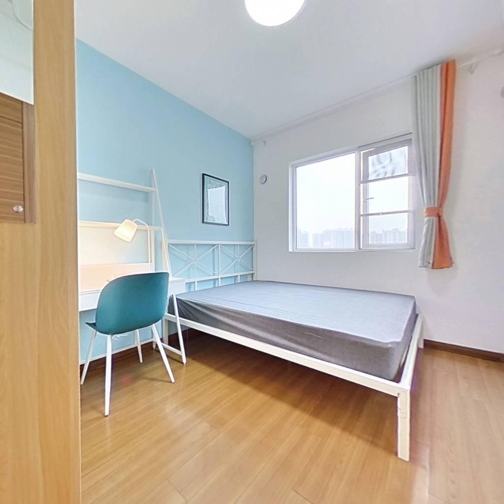 合租·万科锦程 4室1厅 南卧室图