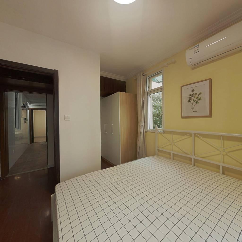 合租·霍新小区 3室1厅 南卧室图