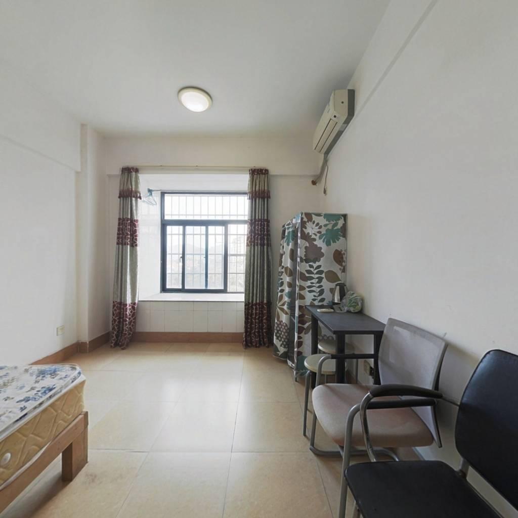 逸涛半岛  小面积精装公寓,拎包入住。