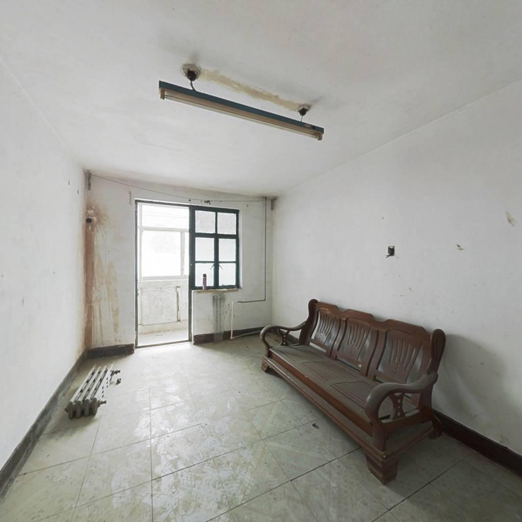 罗户房,总价低,看房有钥匙,二楼二楼。