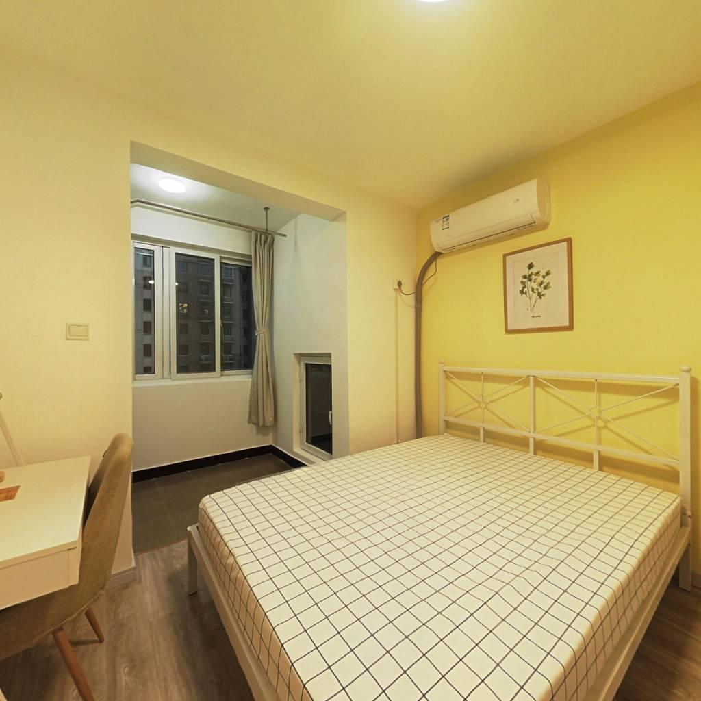 合租·汇秀景苑三街坊 3室1厅 南卧室图