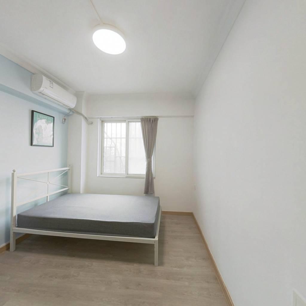 合租·桥东小区 4室1厅 西卧室图