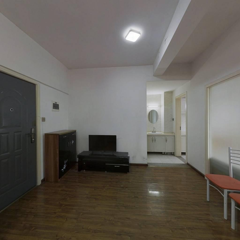 临地铁成外雅庭高楼层装修套一房子