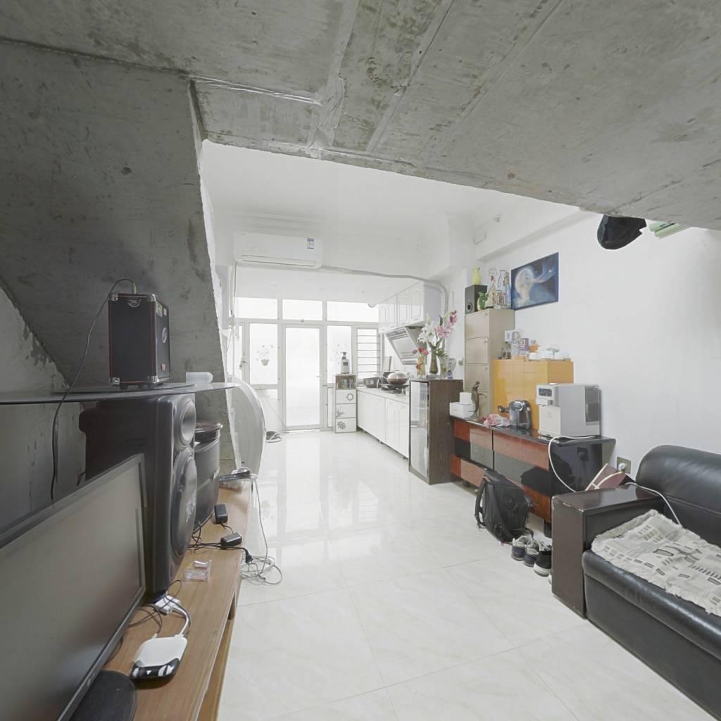 白云新村2004年公寓 低楼层一室一厅带装修 总房款低