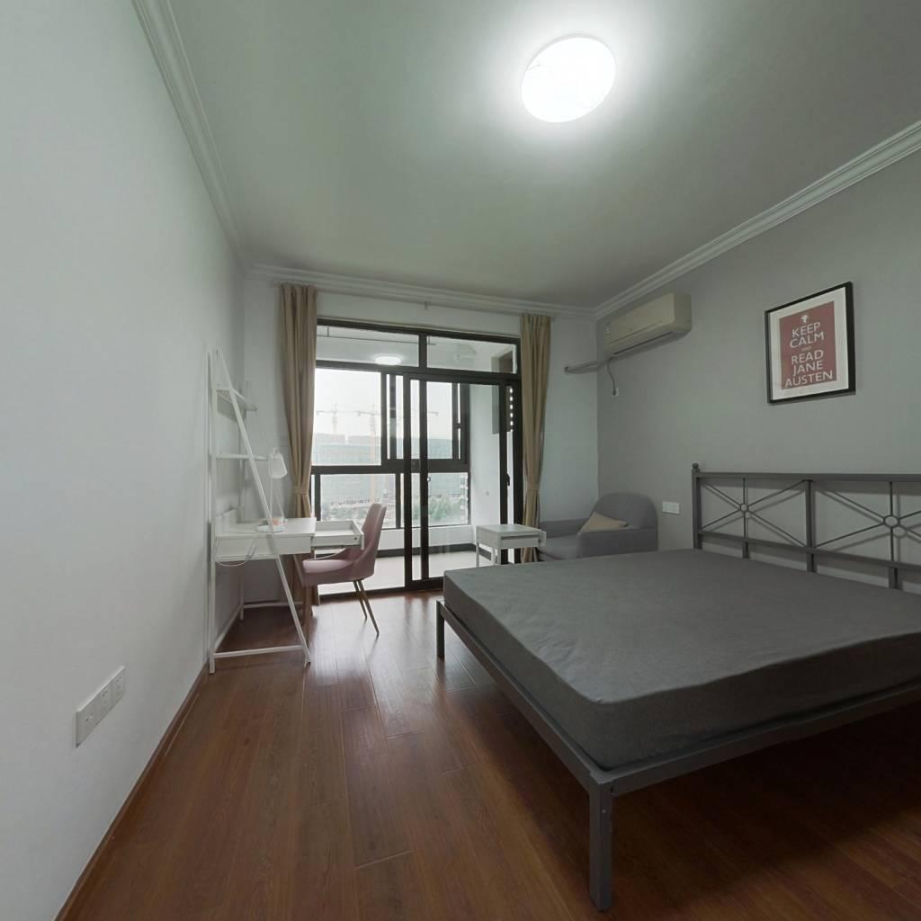 合租·花园府 4室1厅 北卧室图
