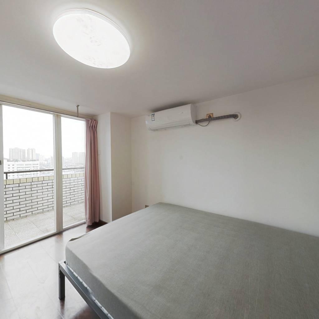 合租·东珠美地 5室2厅 东卧室图