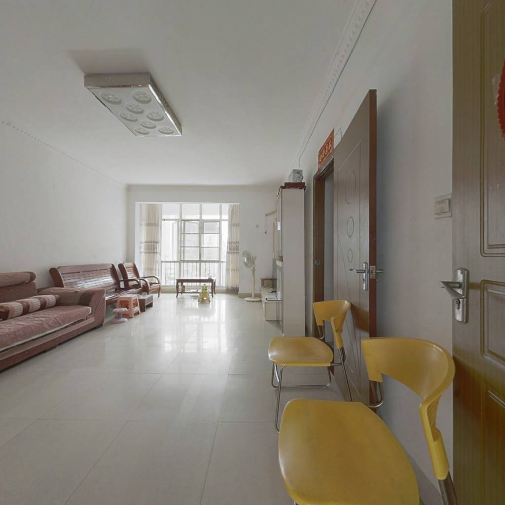 小区中间,步梯中层,南北通三大房仅售75万