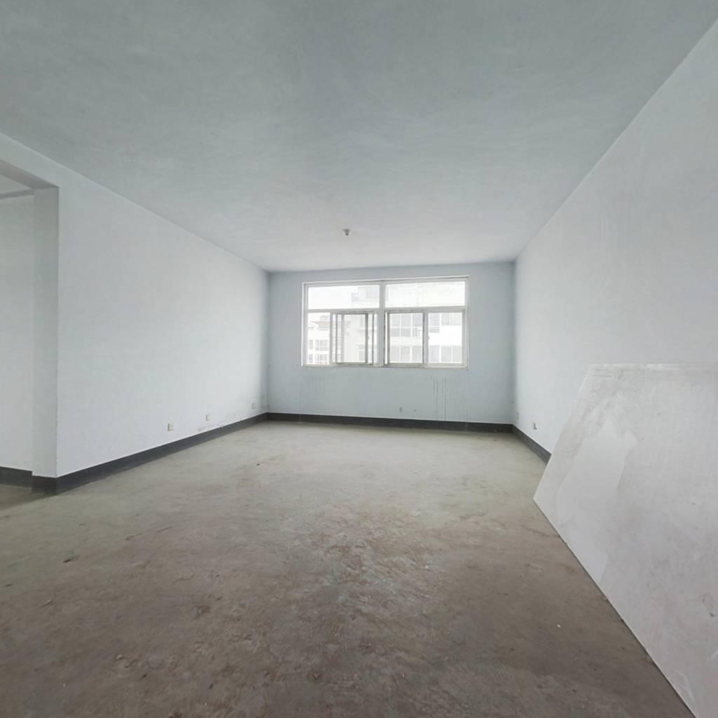 毛坯房,西边户,中间楼层,主房135平,车库35平