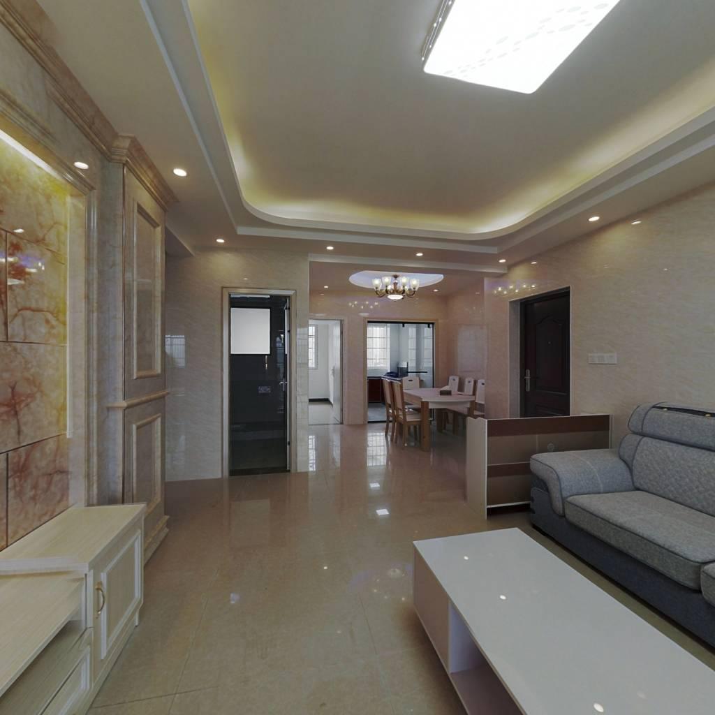 E居公寓,三室两厅户型,楼层好,光线好,带柴间