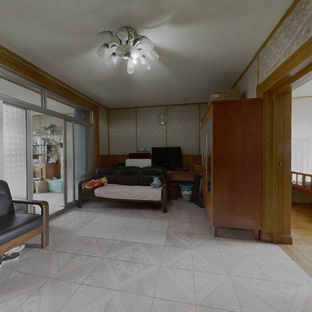 本房是满五年唯一商品房,产权清晰,业主诚意出售。
