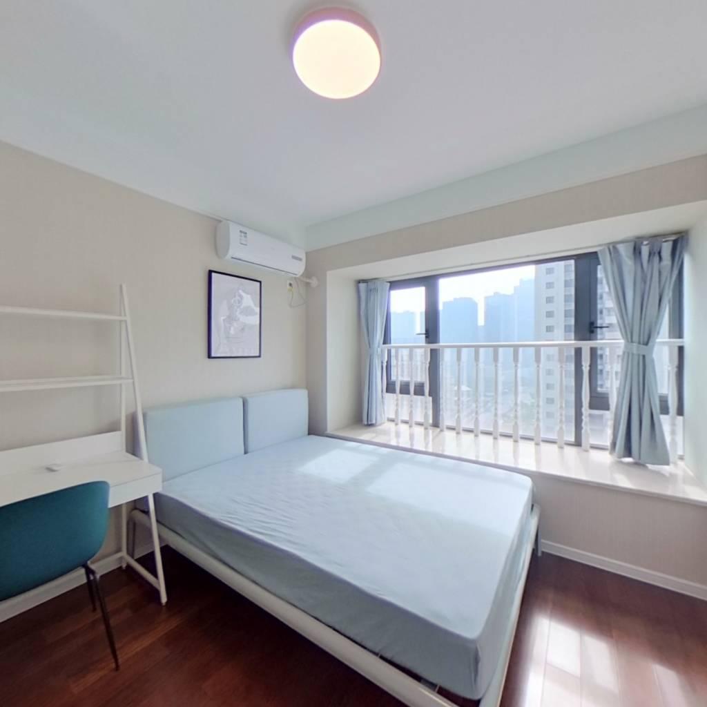 合租·万通时尚公馆 4室1厅 南卧室图