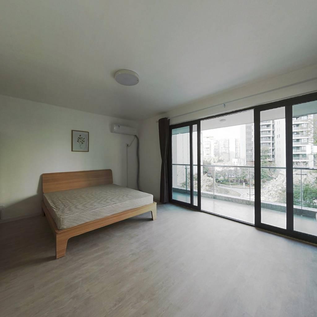 合租·中环丰锦 5室1厅 西卧室图