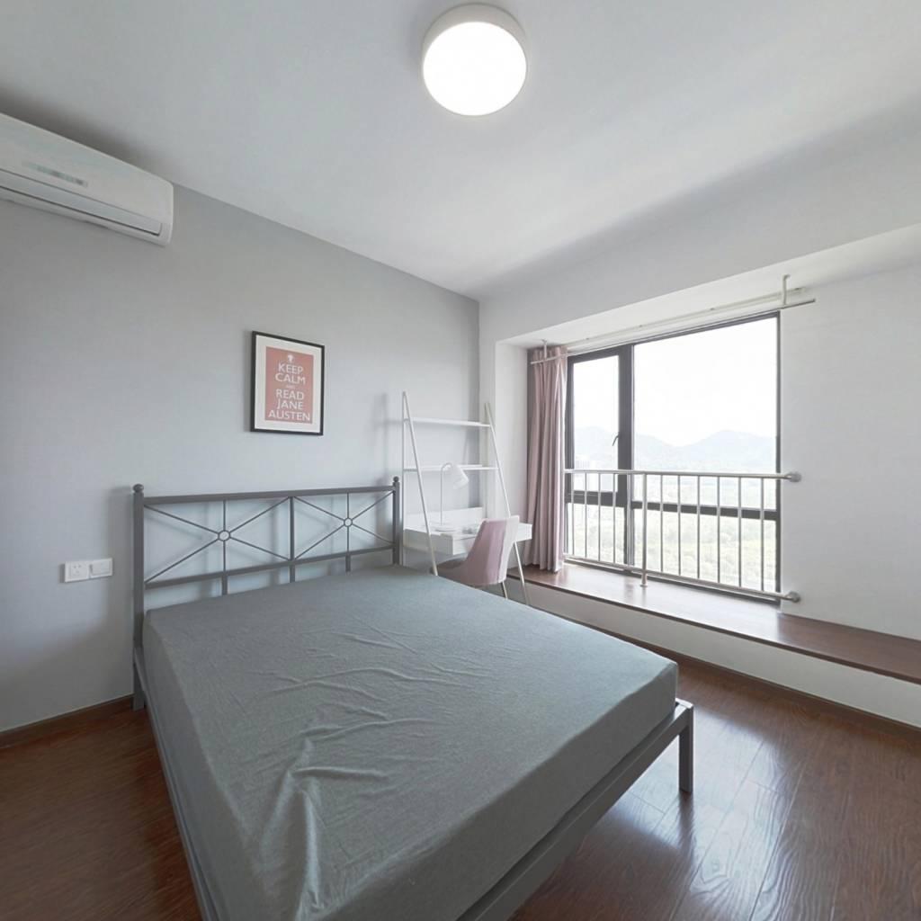 合租·中南白马湖壹号 4室1厅 北卧室图
