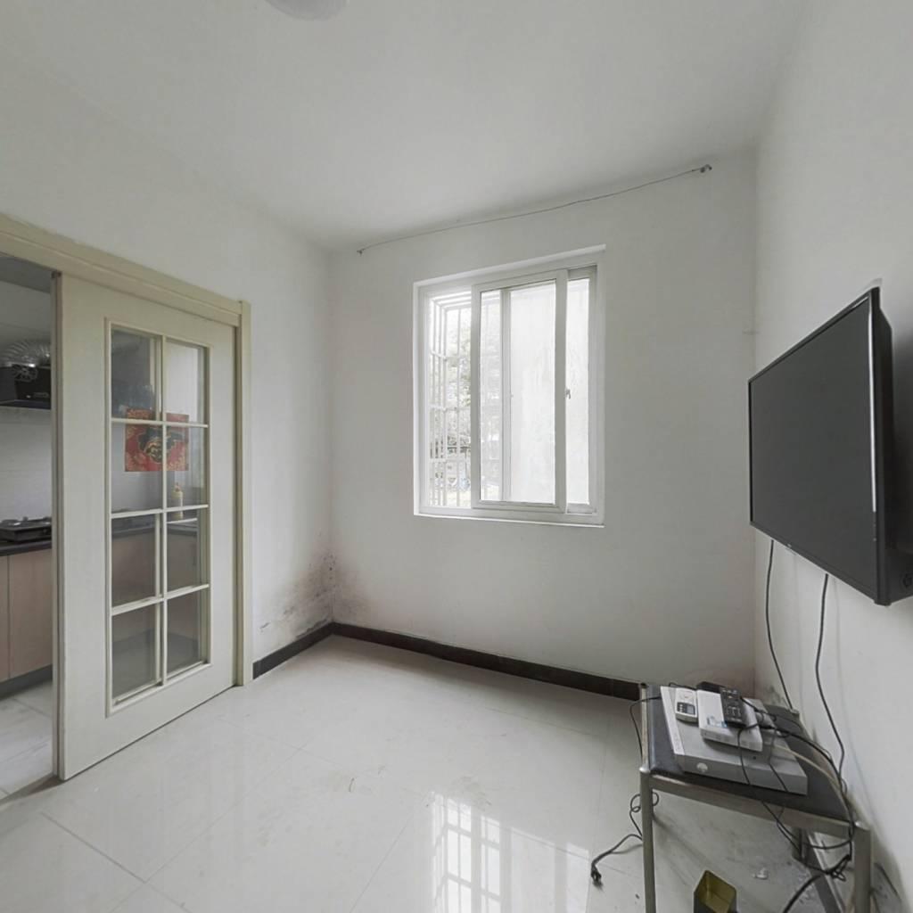 看房方便,诚心出售 位置好 低楼层 采光没影响