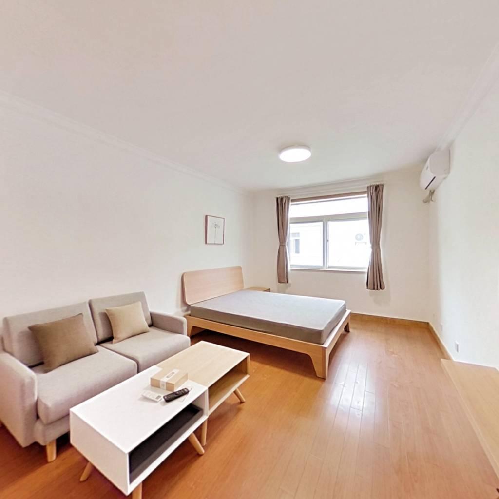 整租·共和新路2203弄 1室1厅 南卧室图