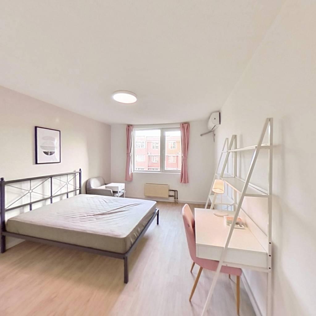 合租·龙跃苑四区 3室1厅 北卧室图