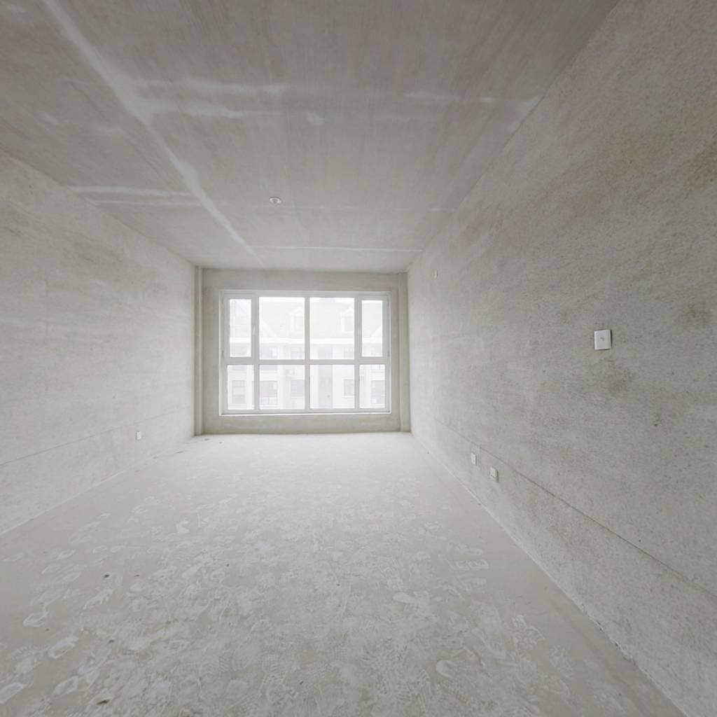 鼎盛佳苑步梯5楼 有跃层 房主自住装修 给家具家电