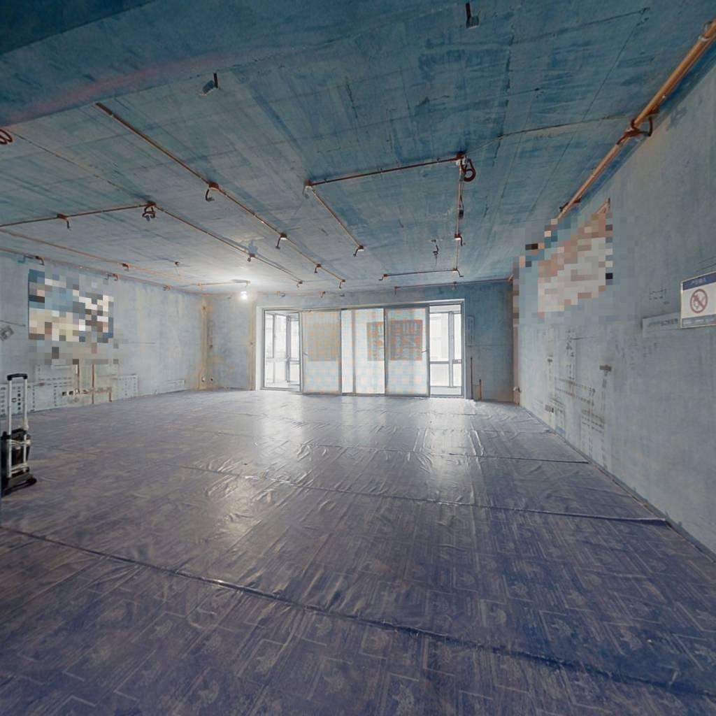 尚景前排 大四室 半装修 装修材料已备好