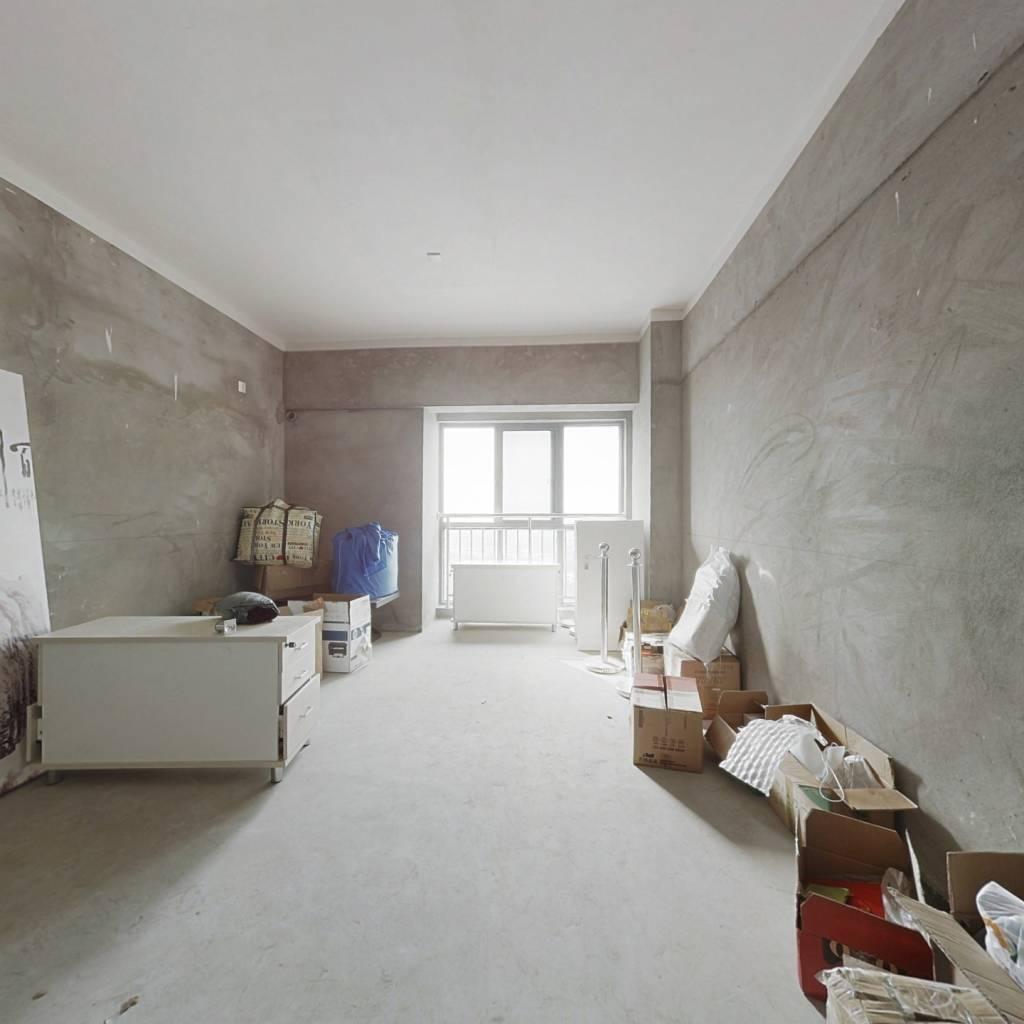 装修全新楼层高视野开阔,适合单身和年轻夫妻居住。