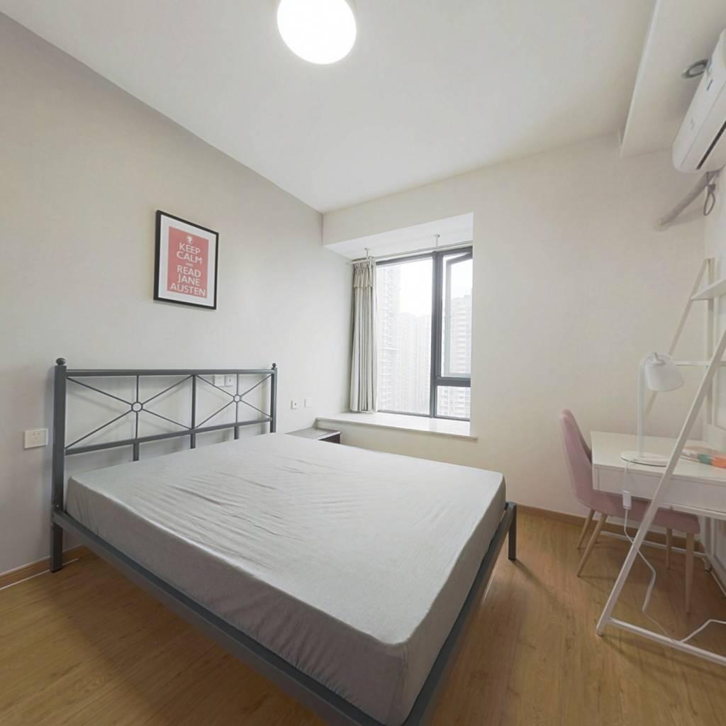 合租·翡翠城五期 4室1厅 东卧室图