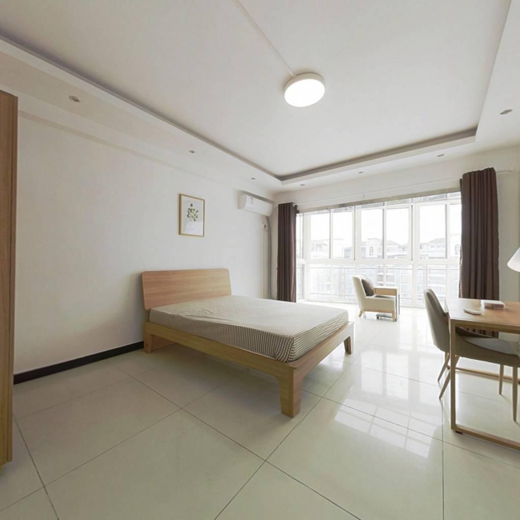 合租·蓝光诺丁山 5室1厅 北卧室图