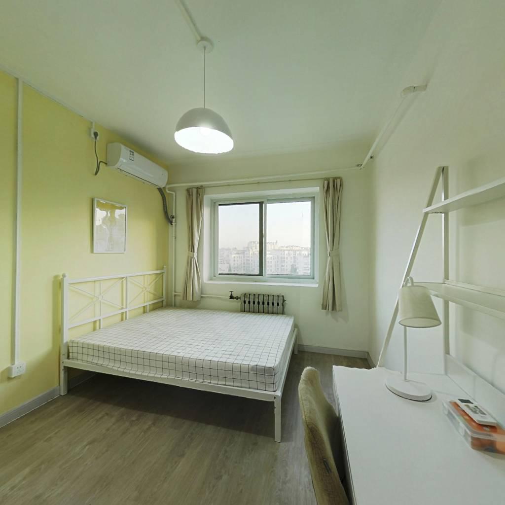 合租·居华里 3室1厅 南卧室图