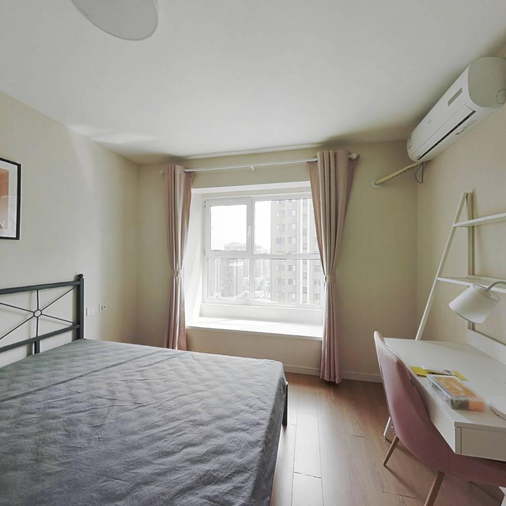 合租·万科金域华府 4室1厅 南卧室图