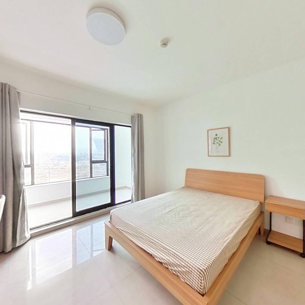 合租·世龙广场 4室1厅 东南卧室图