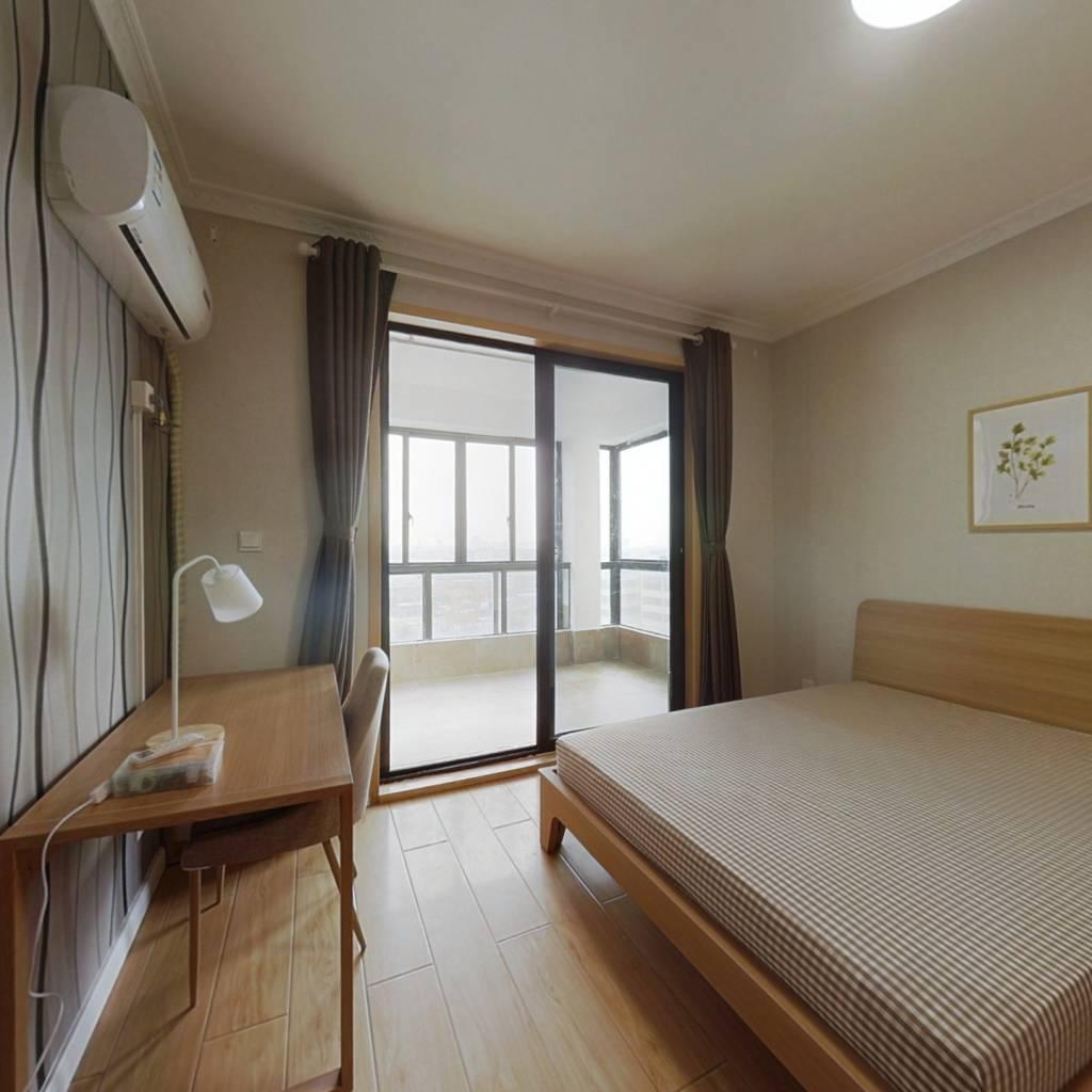 合租·中冶天城 4室1厅 南卧室图