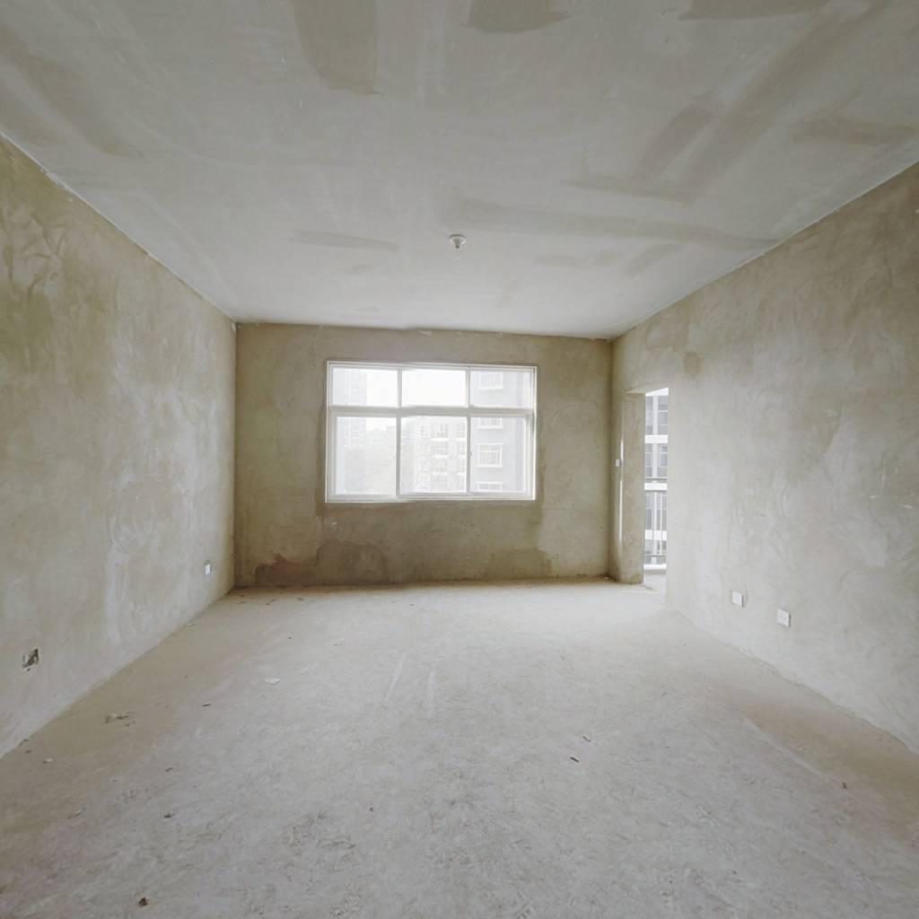 安澜雅苑,3室2厅,小区环境干净舒适,