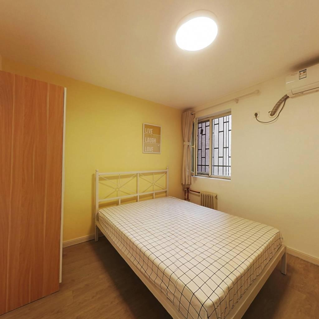 合租·龙锦苑东五区 3室1厅 北卧室图