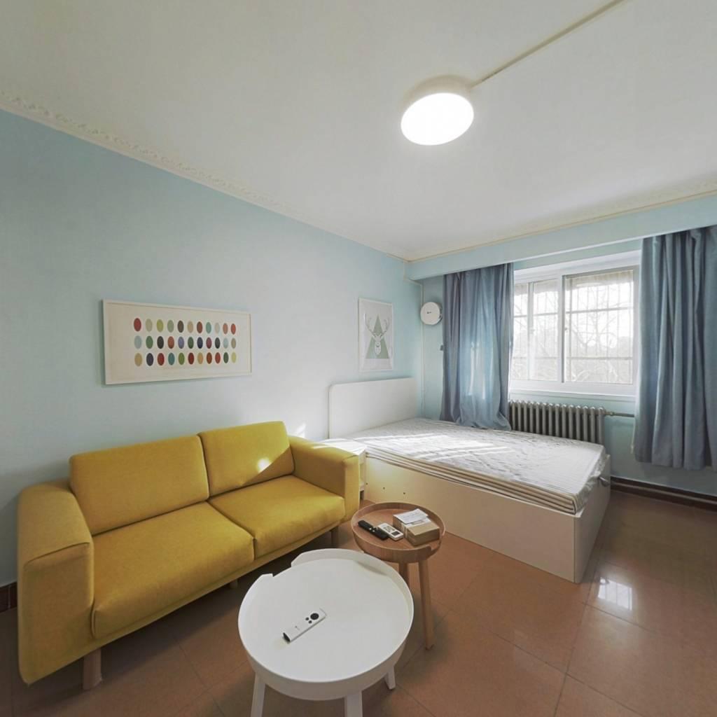 整租·南横西街94号院 1室1厅 南卧室图
