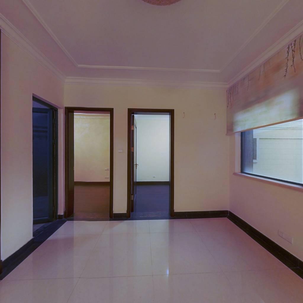 恒大金碧天下精装两房急售43万,满两年