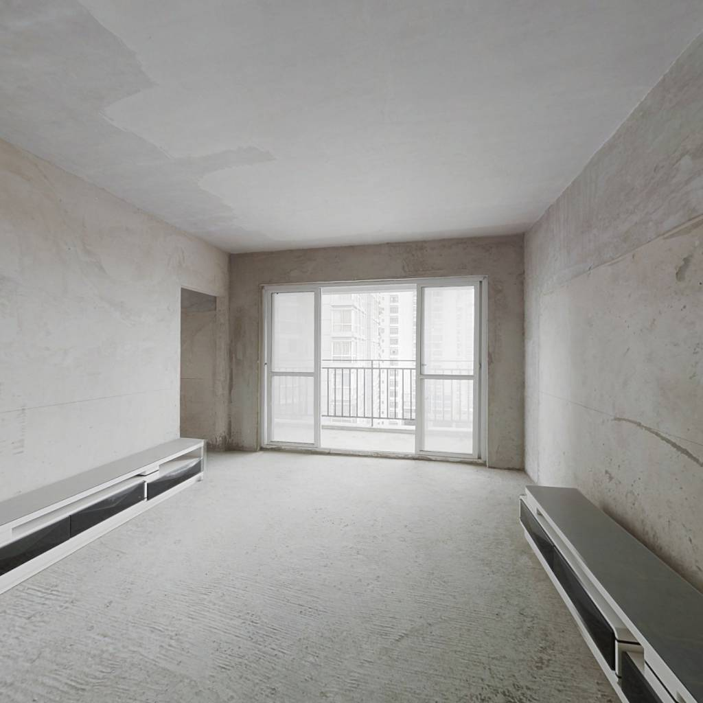火车站旁高层电梯房,小户型一室大房