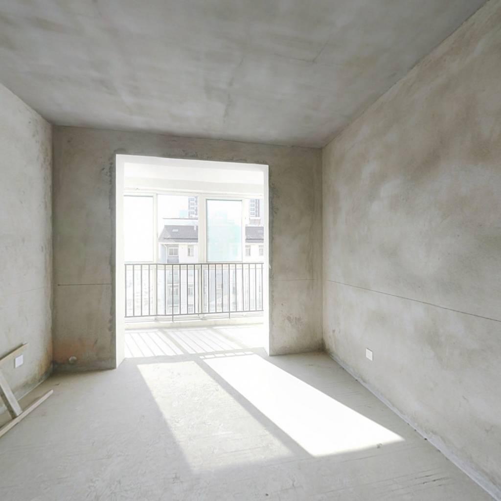 多层顶楼 复式 纯毛坯房 带露台 有钥匙诚售